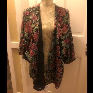 NWOT Anthropologie Feathers by Tolani kimono